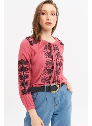 ESQ Siyah Nakışlı Çıtçıtlı Bluz Fuşya